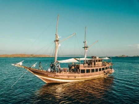 Aquamarine Yacht Charter - Labuan Bajo, Nusa Tengga Timur