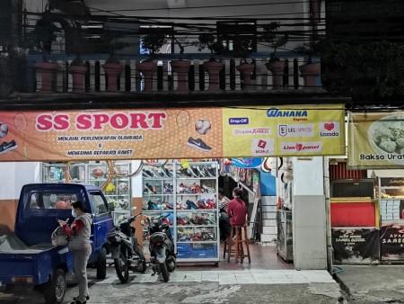 Wahana Express Lampu Merah Ciracas - Jakarta Timur, Jakarta